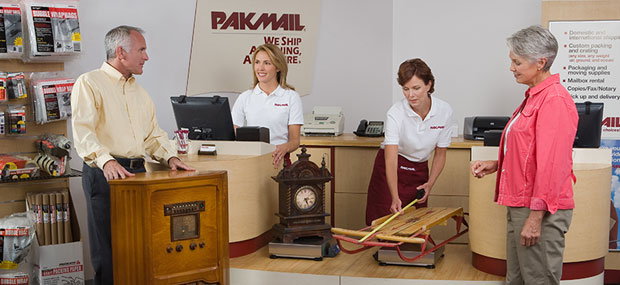 shipping team at pakmail